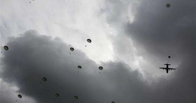 US paratroops stage massive jump