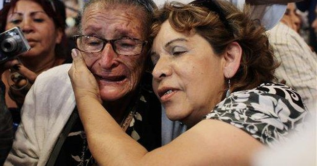 Venezuelans mourn former president Perez