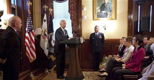Giffords makes return to Washington for ceremony