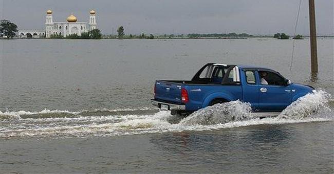 Thai capital bracing for arrival of floods