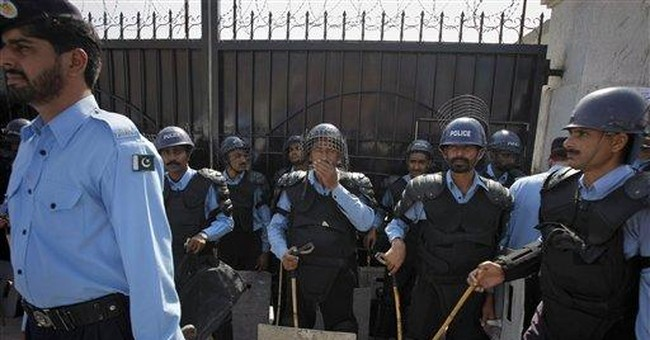 Hundreds in Pakistan rally for governor's killer
