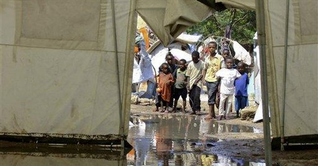Packing up home: Mogadishu residents flee warfare