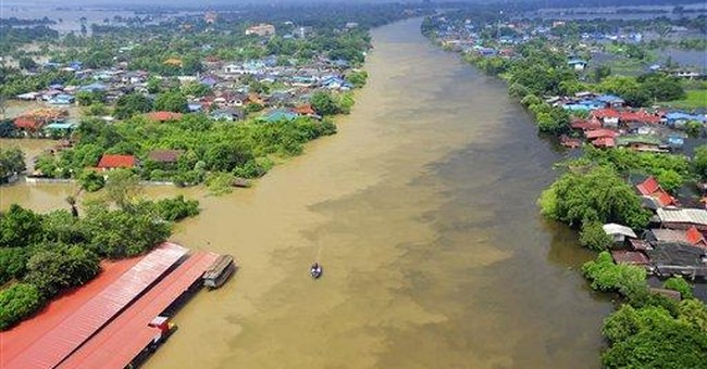 Floods disrupt auto production in Thailand