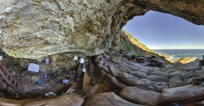 Ancient art supplies found in South African cave