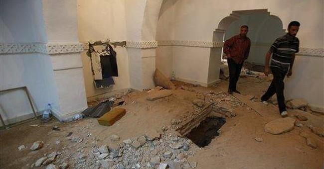 Islamic hard-liners attack rival shrines in Libya