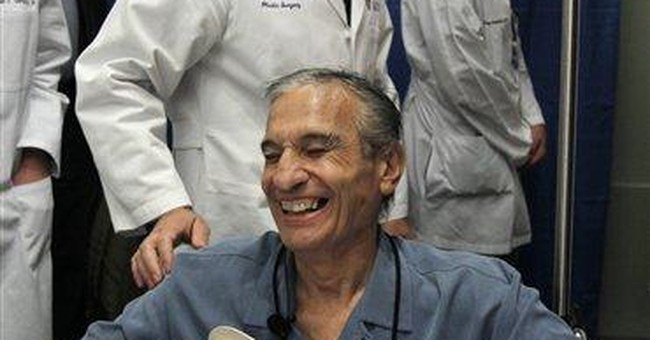 Boston hospital performs double hand transplant