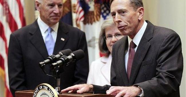 Petraeus tells CIA analysts to heed troops on war