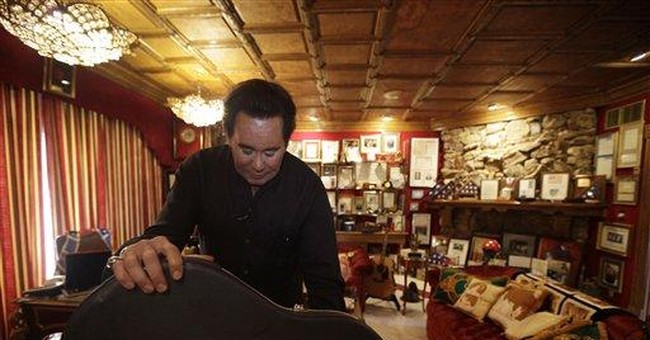 AP Newsbreak: Wayne Newton to open home to public