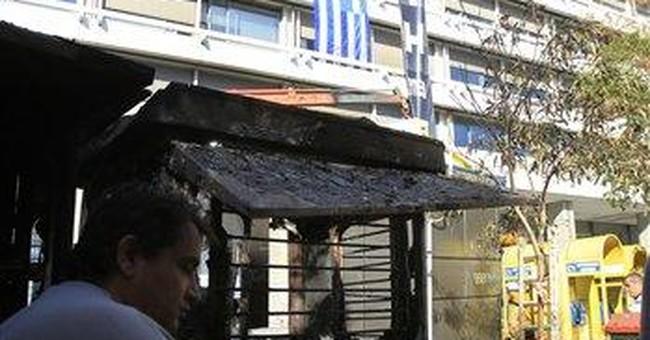 Greek civil servants plan new strikes next week