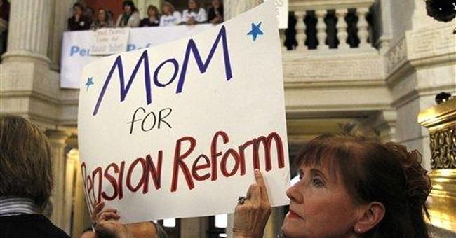 RI pension debate draws 100s to Statehouse rallies