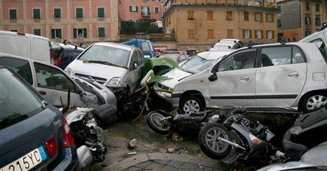 Genoa battered by flash floods, 6 die