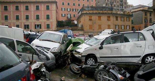 Genoa battered by flash floods, 6 die