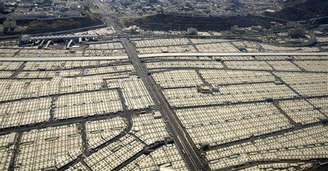 Hajj junket: Iraqis stew as officials go to hajj