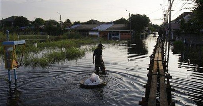 Floods threaten Bangkok as north starts to rebuild