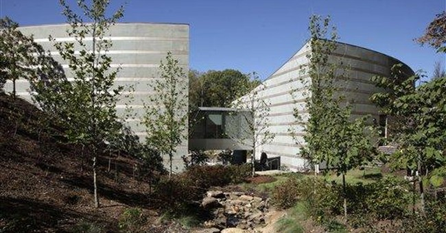 Major art museum opens in unlikely place: Arkansas