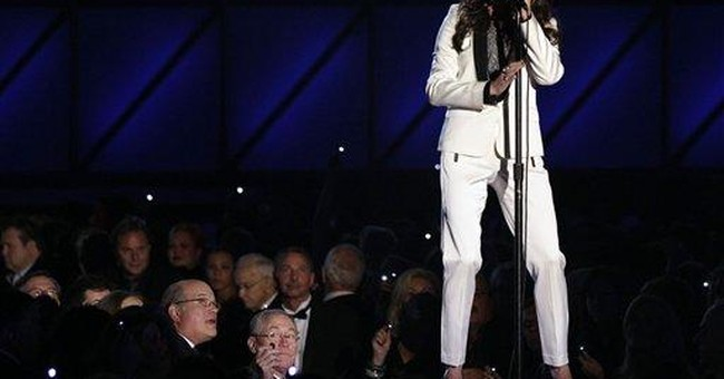 The song's the thing for Swift, Perry at CMAs