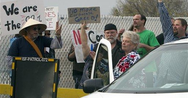 Call to occupy Iowa caucuses draws little interest