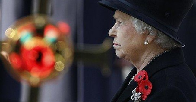 Queen leads annual ceremony honoring war dead