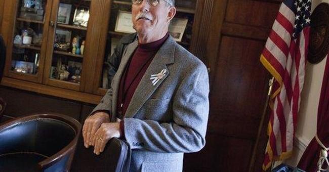 Giffords shows great progress, but still struggles