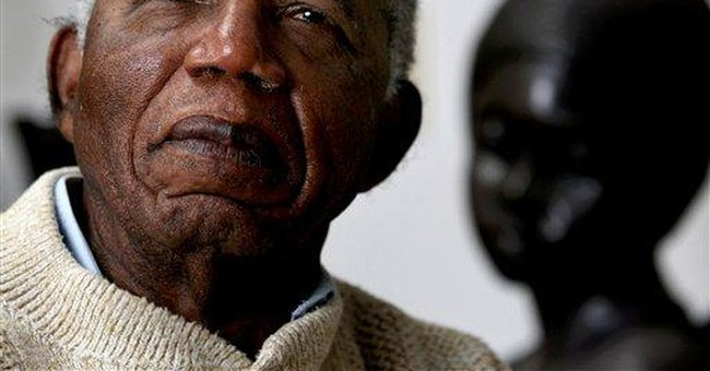 Author Achebe turns down Nigeria honor _ again