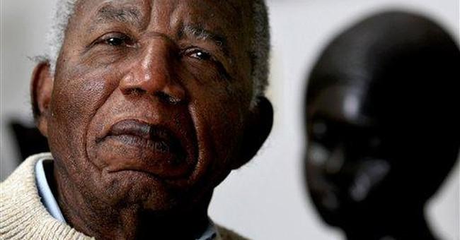 Author Achebe turns down Nigeria honor _ again