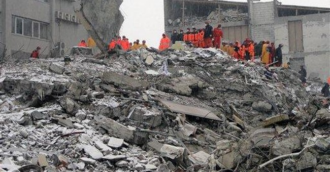 Turkish official: Quake-hit Van a 'ghost city'