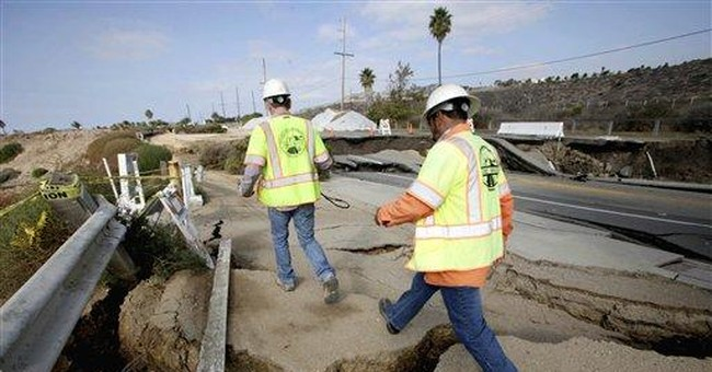 LA coastal landslide worsens, area fenced off
