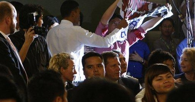 Clinton faces grilling from Filipino students