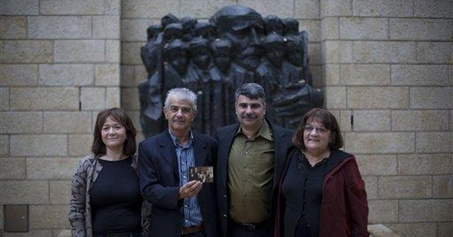 Lost cousins unite thanks to Holocaust database