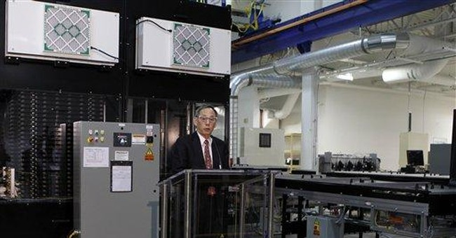 At GE plant, Chu says US needs to stay in solar