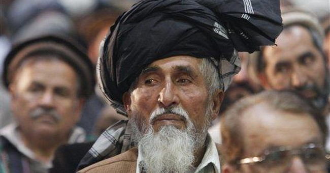 Hundreds of Afghans protest long-term pact with US