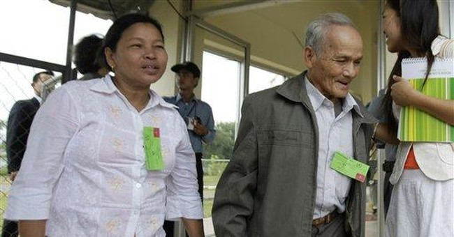 Top Khmer Rouge leaders' trial opens in Cambodia