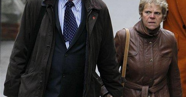 Hugh Grant: Non-Murdoch tabloid hacked me in 2007
