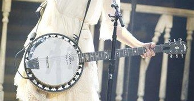 James Taylor, Selena Gomez join Swift onstage