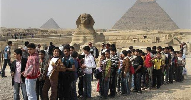 Egypt's economy slumps under weight of unrest