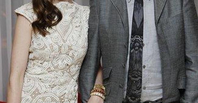 Anne Hathaway is engaged to boyfriend Adam Shulman