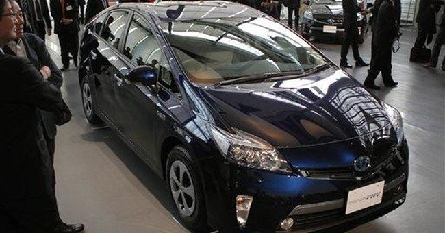Toyota taking orders in Japan for Prius Plug-in