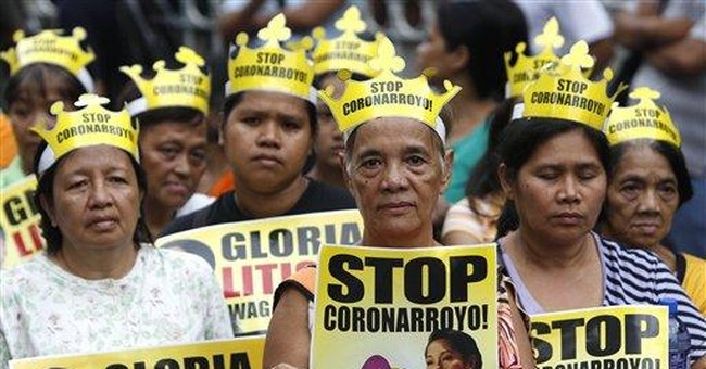 Court orders Arroyo transferred to gov't hospital