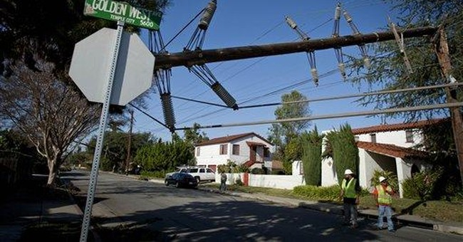 Calif. residents grapple with windstorm cleanup