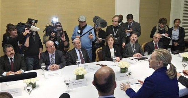 Clinton sees Syrian opposition, US envoy returns
