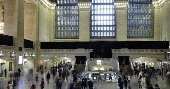 Huge Apple store opening at NYC's Grand Central