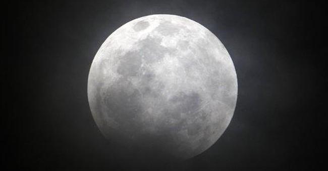 Sky-watchers get rare treat: total lunar eclipse