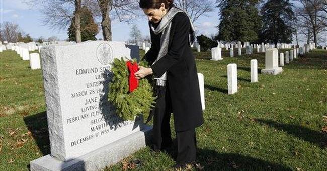 Volunteers lay 90K wreaths at Arlington cemetery