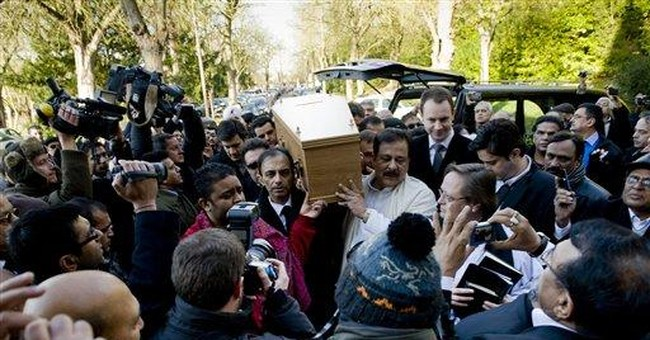 Bollywood star Dev Anand cremated in London