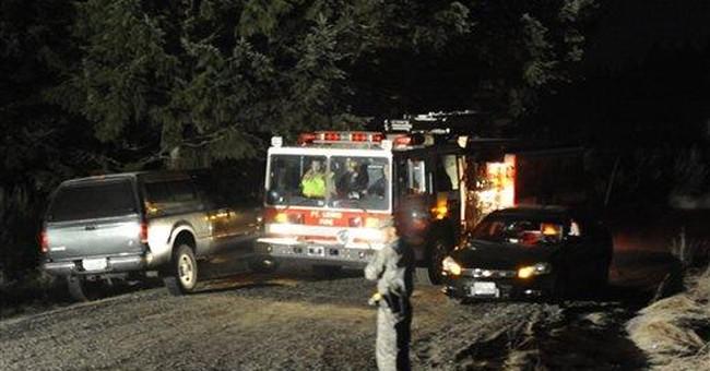 Army helicopters crash on Washington base, 4 dead