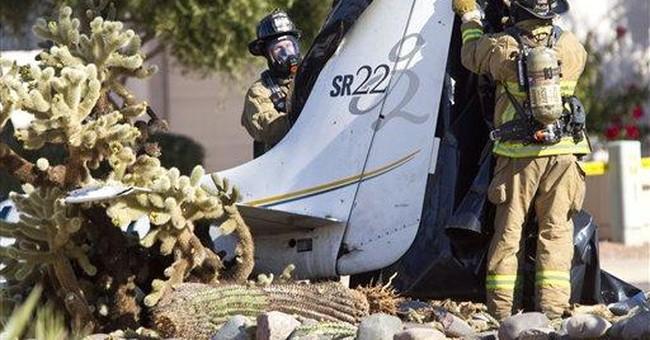 Small plane crashes in Phoenix; 1 dead, 1 hurt