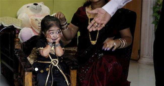 World's shortest woman wants to be Bollywood star