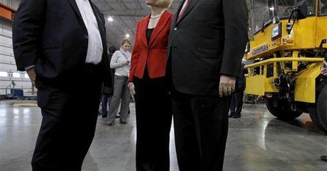 Gingrich assails Romney for 'smear campaign'