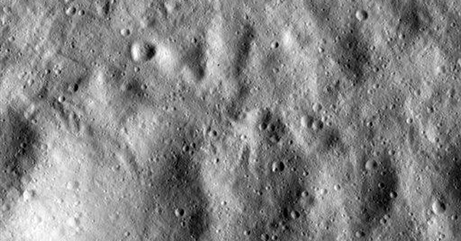 Dawn spacecraft beams back new images of asteroid