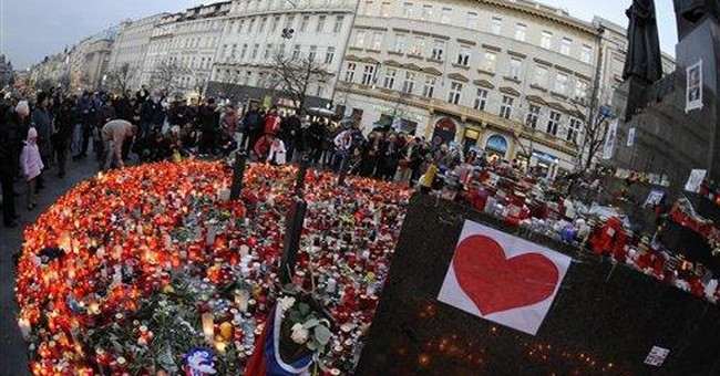 Vaclav Havel's coffin transported to Prague Castle